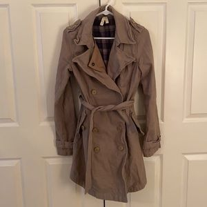 Free People khaki trench coat with plaid lining